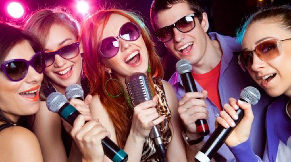 Bị phạt tù vì vi phạm bản quyền nhạc Karaoke